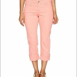 Not your daughters jeans Dayla Capris size 2 pink